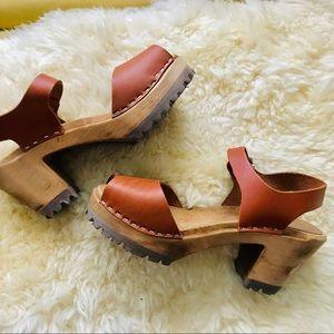 MIA Greta peep toe Swedish leather wooden clogs